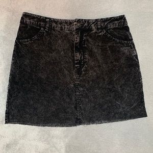 2/$20 🌞 Forever 21 Distressed Corduroy Skirt